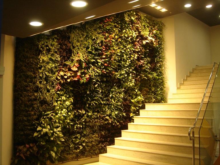 jardim vertical na parede:jardim-vertical-telhado